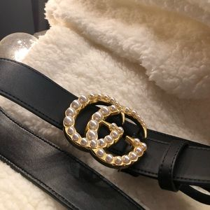 Accessories - Gucci embellished pearl belt